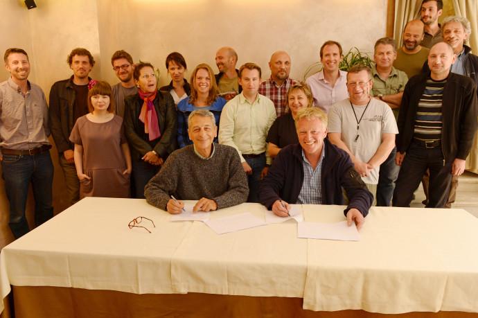 Frans Schepers, Managing Director of Rewilding Europe (right) and Professor Luigi Boitani, Chairman of the LCIE signa Memorandum of Understanding