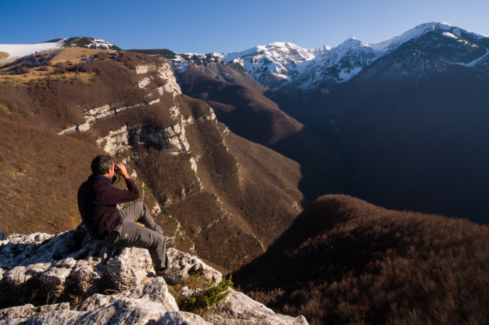 Wildlife watching in the Orfento valley in the Majella NP. Abruzzo, Central Apennines, Italy. Nov 2009