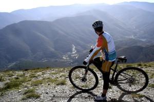 Discover the Grand Route on a three day cycling tour. Western Iberia rewilding area.
