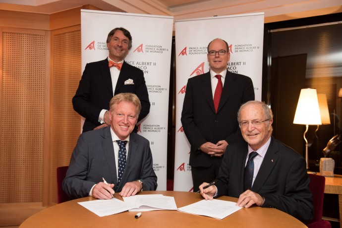 CEO and Vice-President of the Prince Albert II of Monaco Foundation, Mr. Bernard Fautrier (right) and Managing Director of Rewilding Europe Mr. Frans Schepers (left), signing the partnership agreement in the presence of HSH Prince Albert II of Monaco (right) and Mr. Wiet de Bruijn, Chairman of Rewilding Europe Supervisory Board (left).