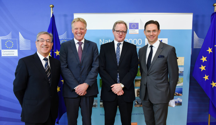 At the signing ceremony, from left to right: Karmenu Vella, European Commissioner for Environment, Maritime Affairs and Fisheries, Frans Schepers, Managing Director of Rewilding Europe, Christopher Knowles, European Investment Bank, Head of Climate Finance and Jyrki Katainen, European Commission Vice-President for Jobs, Growth, Investment and Competitiveness.