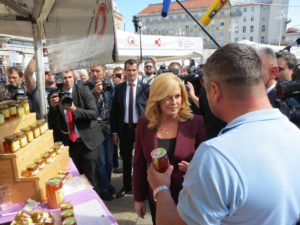 The Guslice & Melnice stall receives a visit from the Croatian president, Kolinda Grabar-Kitarović.
