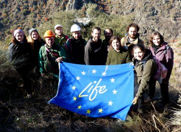 Members of two Portuguese LIFE projects and the Western Iberia rewilding team participated in the nest building workshop.