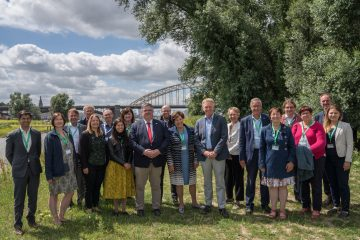 Co-led by Rewilding Europe, the excursion to the Stadswaard in Nijmegen included representatives of the cities of Lisbon, Ghent, Lathi, Gabrovo, Horst aan de Maas, Sofia and Mechelen, as well as the Mayor of Nijmegen Hubert Bruls, city council member Harriët Tiemens and the mayors of Oslo and Essen.