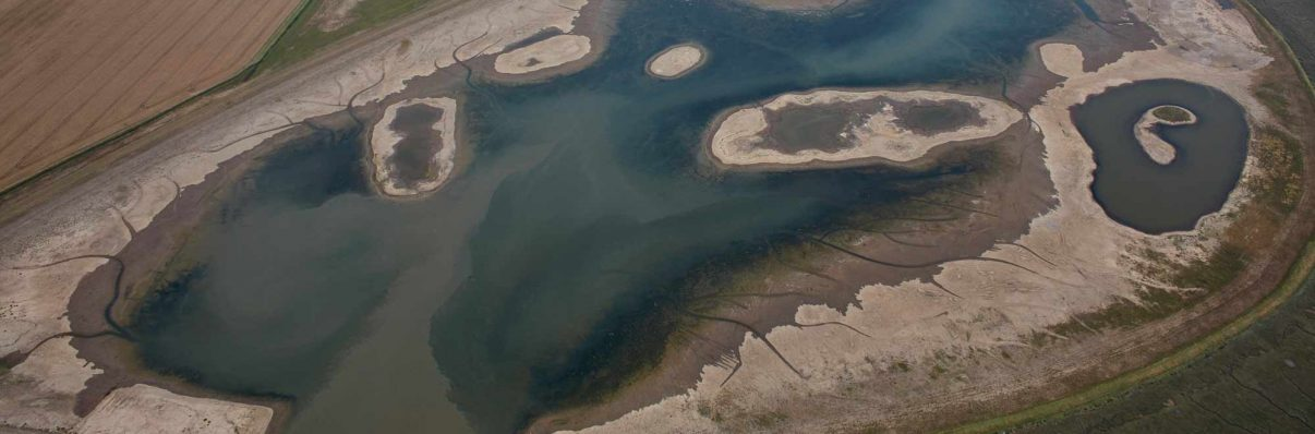 The Wallasea Island Wild Coast Project aims to combat the threats from climate change and coastal flooding, and to boost biodiversity by recreating an ancient wetland landscape of mudflats and saltmarsh, lagoons and pasture.