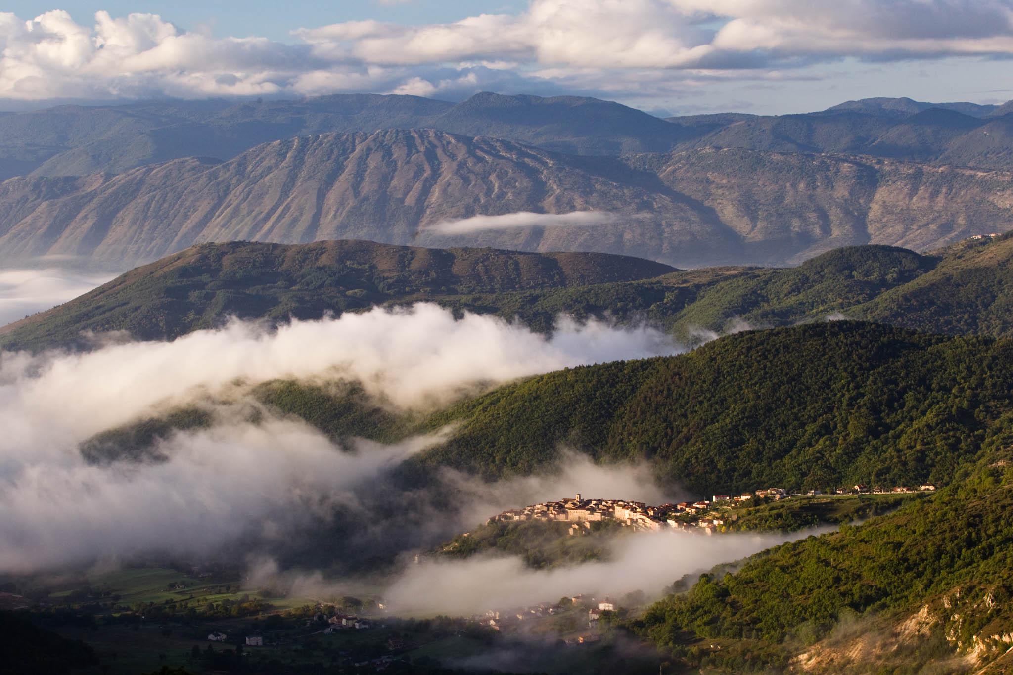 The village of Rosciolo dei Marsi in western Abruzzo, Central Apennines, Italy.