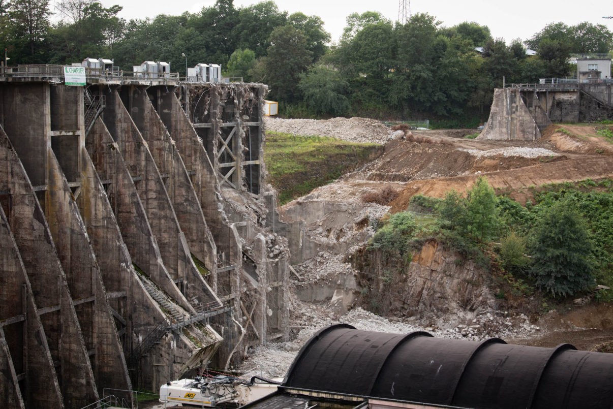 Vezins dam destruction